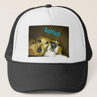 Boné Um dachshund e um lebreiro que tomam um selfie