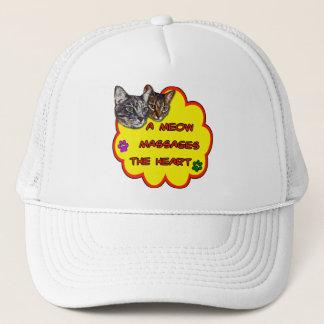 Boné Um Meow faz massagens o coração