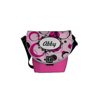 Bonito no saco cor-de-rosa da bolsa ou da fralda bolsa mensageiro