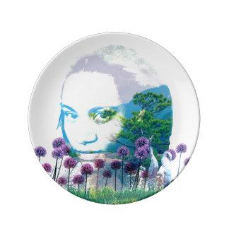 Bonsais do asiático da mulher do jardim do zen + pratos de porcelana