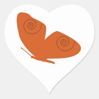 Borboleta alaranjada, etiqueta do coração adesivos em forma de corações