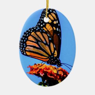 Borboleta de monarca ornamento de cerâmica oval