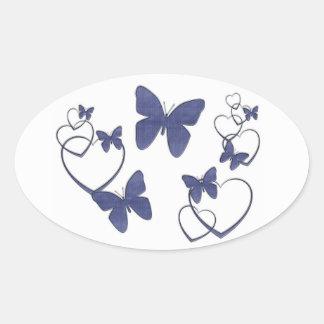 Borboletas e corações azuis da sarja de Nimes Adesivo Oval