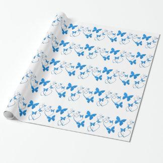 Borboletas e corações azuis, envoltório de papel de presente