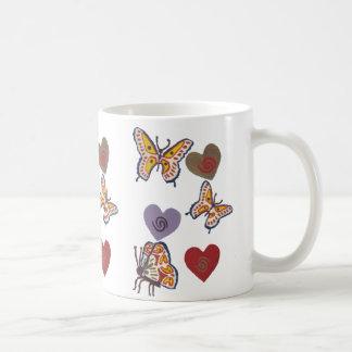 Borboletas e corações caneca de café