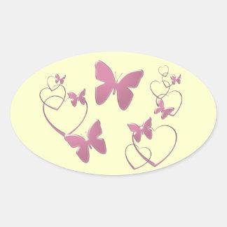 Borboletas e corações cor-de-rosa macios adesivo oval