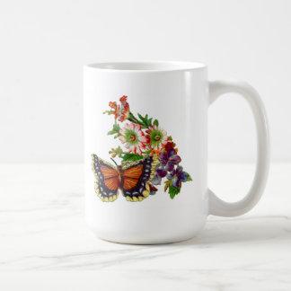 borboletas/flores/caneca dos corações caneca