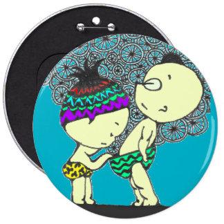 Botão curioso engraçado da menina e do menino bóton redondo 15.24cm
