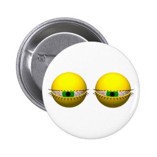 Botão engraçado da novidade com olhos cansados pins