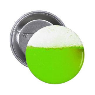 Botão verde irlandês engraçado da cerveja botons