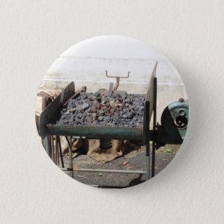 Bóton Redondo 5.08cm Fornalha antiquado do ferreiro. Carvões ardentes