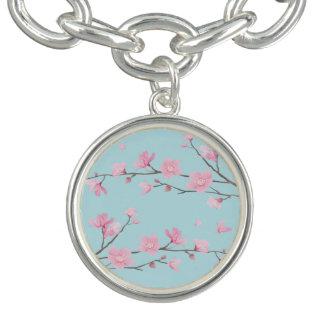 Bracelete Com Pingente Flor de cerejeira - azul-céu