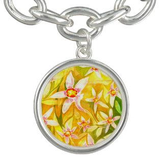 Bracelete floral amarelo bonito do encanto do