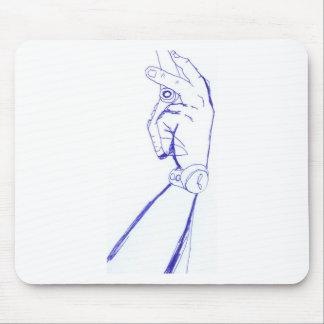 braço desenhado a mão com celular mousepads