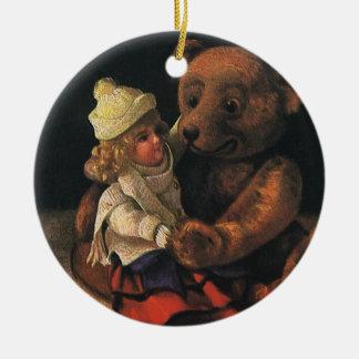 Brinquedos do natal vintage, boneca e um urso de ornamento de cerâmica redondo