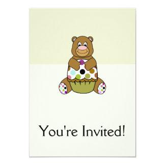Brown e urso verde de Polkadot Convite 12.7 X 17.78cm