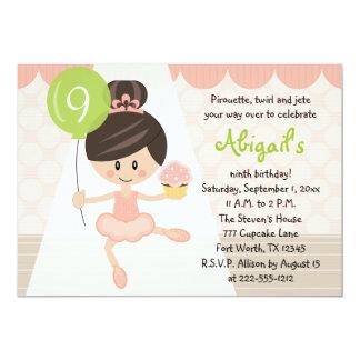 Brunette do aniversário da bailarina do cupcake convite 12.7 x 17.78cm