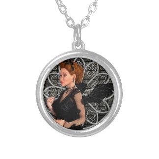Bruxa bonita colar banhado a prata