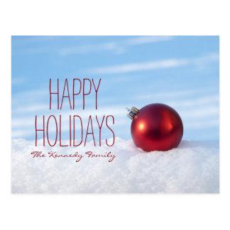 Bulbo vermelho do Natal na neve Cartão Postal