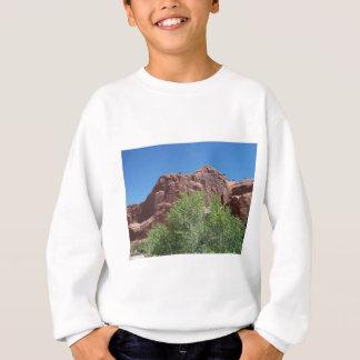 Bush verde e rocha vermelha camiseta
