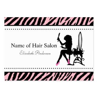 Cabeleireiro cor-de-rosa e preto da mulher chique