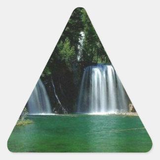 cachoeira adesivo triângulo
