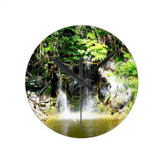 Cachoeira de Sunreflected Relógio Para Parede