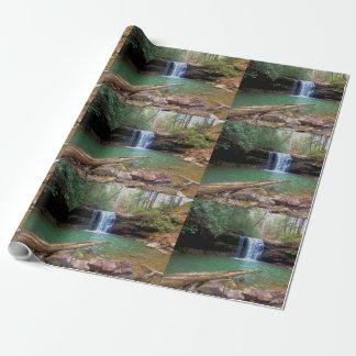 Cachoeira do Appalachian da região selvagem Papel De Presente