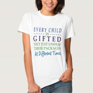 Cada criança autística é dotado t-shirt