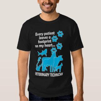 cada paciente deixa uma pegada em meu coração… t-shirts