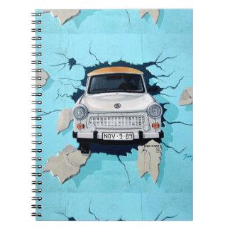 Caderno Espiral Carro que deixa de funcionar através dos grafites