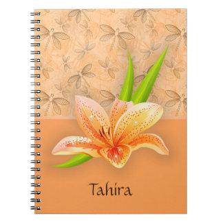 Cadernos Arte do Lilium e da natureza da cor do pêssego no