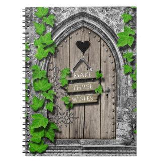 Cadernos Espirais Porta de desejo feericamente da fantasia mágica de
