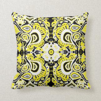 Caleidoscópio preto de Paisley & branco amarelo lo Travesseiro De Decoração