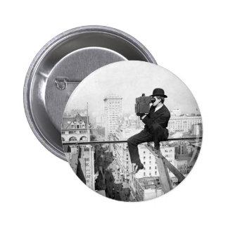 câmera antiga em uma foto do vintage do highrise d bóton redondo 5.08cm