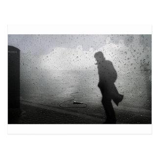 Caminhada afastado no silêncio cartão postal