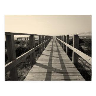 Caminhada da praia no Sepia Cartão Postal