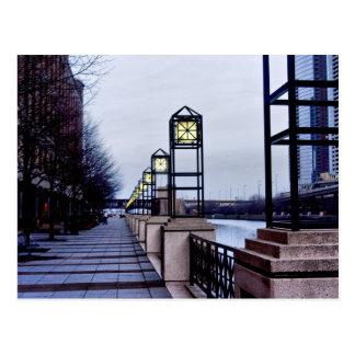 Caminhada de Chicago River Cartão Postal