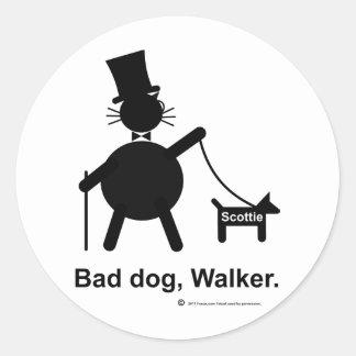 Caminhante mau do cão adesivos em formato redondos