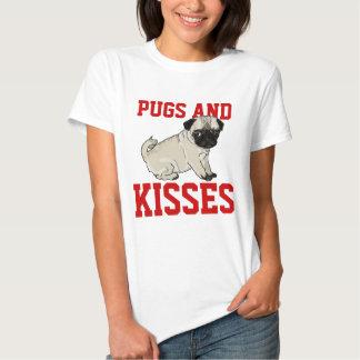 Camisa das senhoras dos Pugs e dos beijos Camisetas