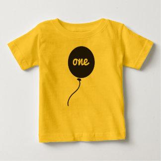 Camisa do aniversário do bebê primeira