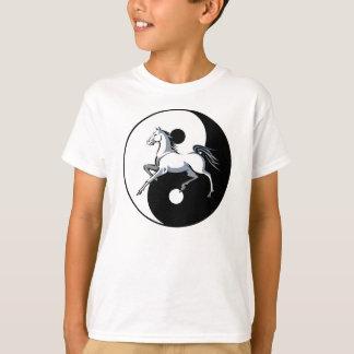 Camisa do cavalo branco de Yin Yang