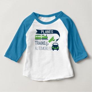Camisa dos miúdos dos trens e dos automóveis dos
