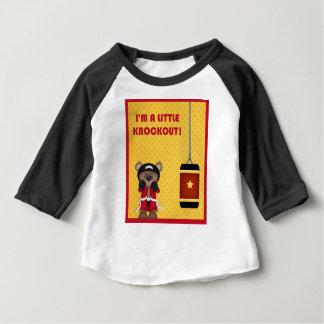 Camiseta Amarelo vermelho bonito de encaixotamento do