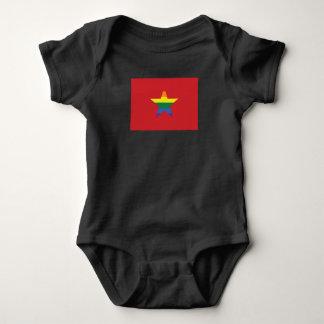 Camiseta Bandeira do vietnamita do orgulho gay