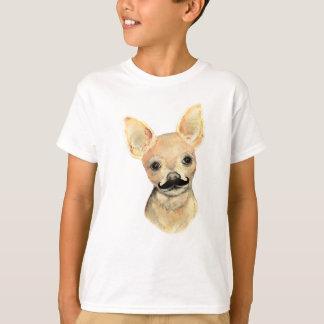 Camiseta Bigode em um humor bonito do cão