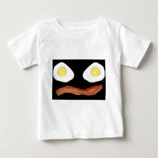 Camiseta Breakface no preto