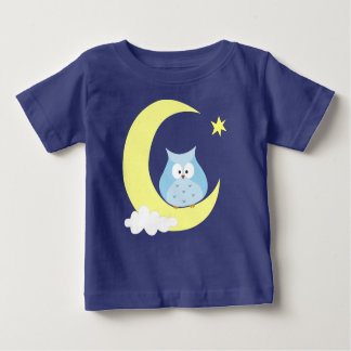 Camiseta Coruja que senta-se na lua