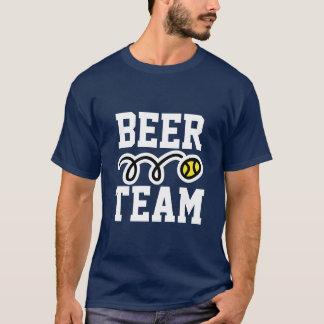 """Camiseta Da """"t-shirt engraçado do tênis da equipe cerveja"""""""