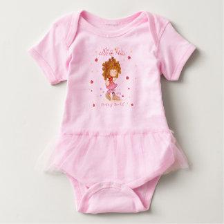 Camiseta ~ do design de caráter que aumenta Maddie - botas